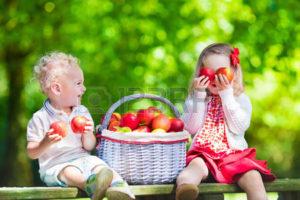 kinderen-met-appels